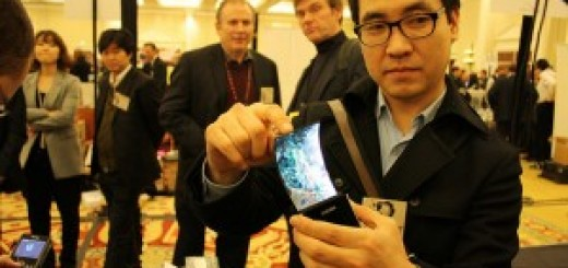 Samsung 5.5-inch flexible display unit - staring at CES 2013