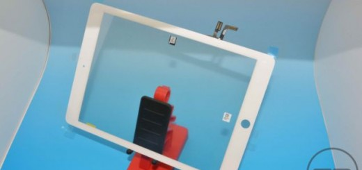 Pictures of iPad 5 give a better idea of its design and bezels